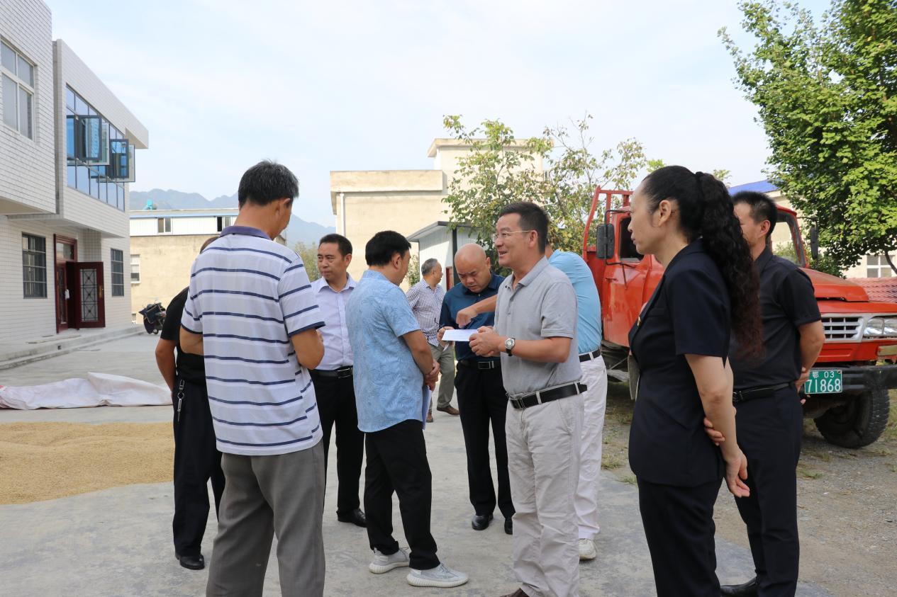 省农业农村厅一行调研房县农机安全生产
